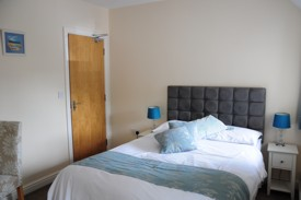 B&B rooms at The Red Lion Llandyfaelog